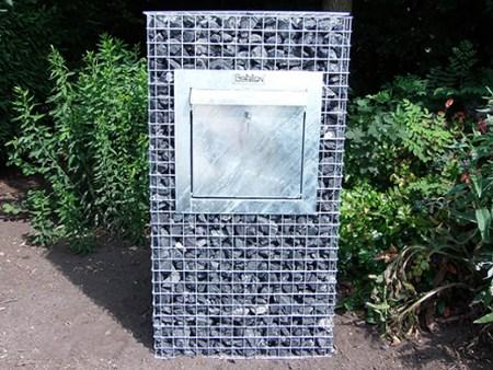 Een steenkorven brievenbus; een eyecatcher voor uw tuin